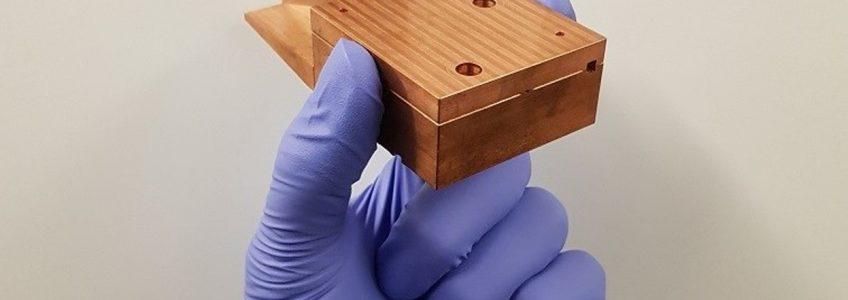 Un acelerador de partículas de bolsillo trabaja casi a la velocidad de la luz • Tendencias21